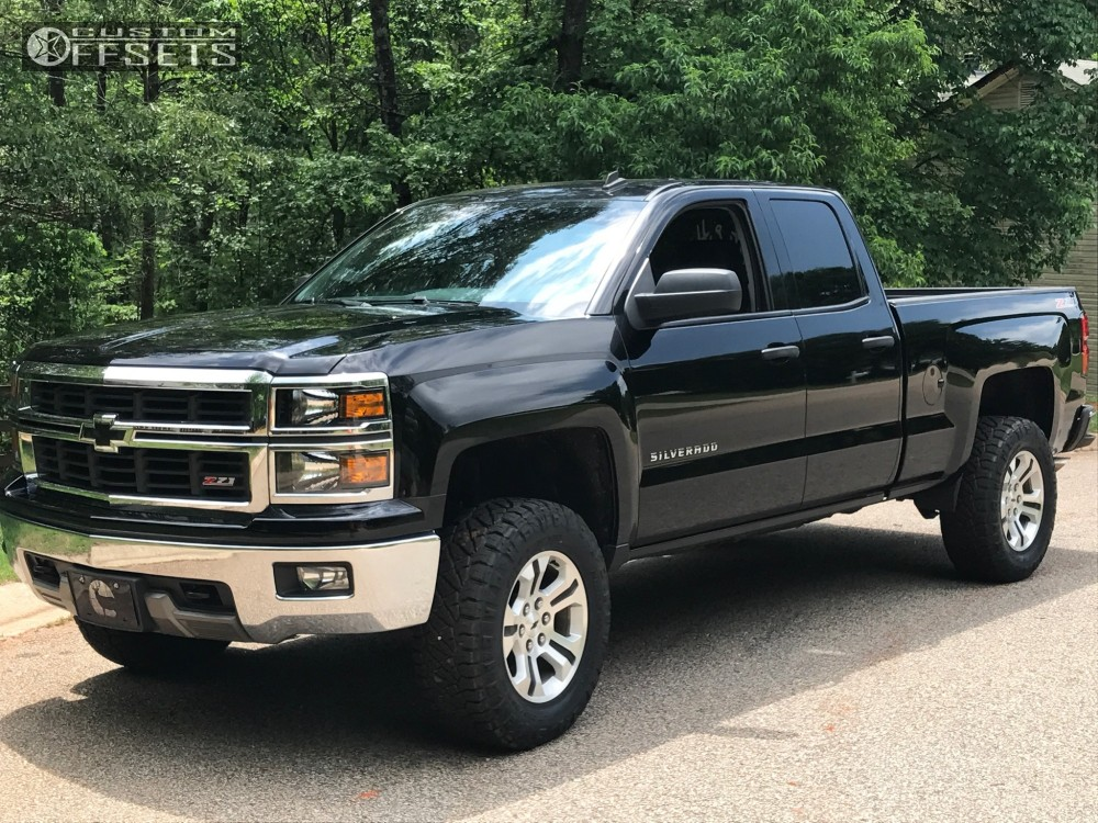 2014 chevrolet silverado 1500 spaced out stockers spaced out stockers motofab leveling kit. Black Bedroom Furniture Sets. Home Design Ideas