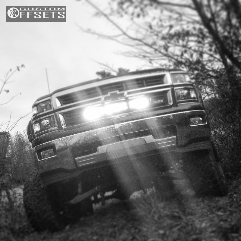 29087 15 2015 silverado 1500 chevrolet suspension lift 6 body 3 moto metal mo962 black aggressive 1 outside fender.jpg