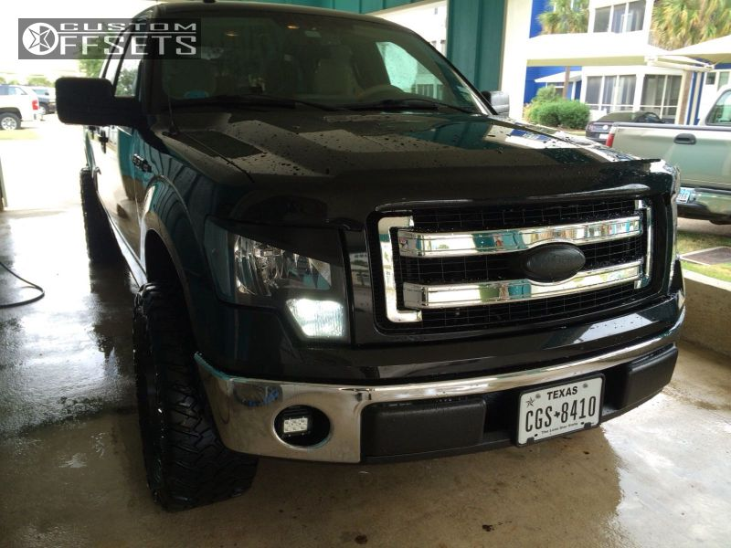 """2013 Ford F-150 Aggressive > 1"""" outside fender on 20x9 1 offset Fuel Maverick and 33""""x12.5"""" Nitto Trail Grappler on Leveling Kit - Custom Offsets Gallery"""