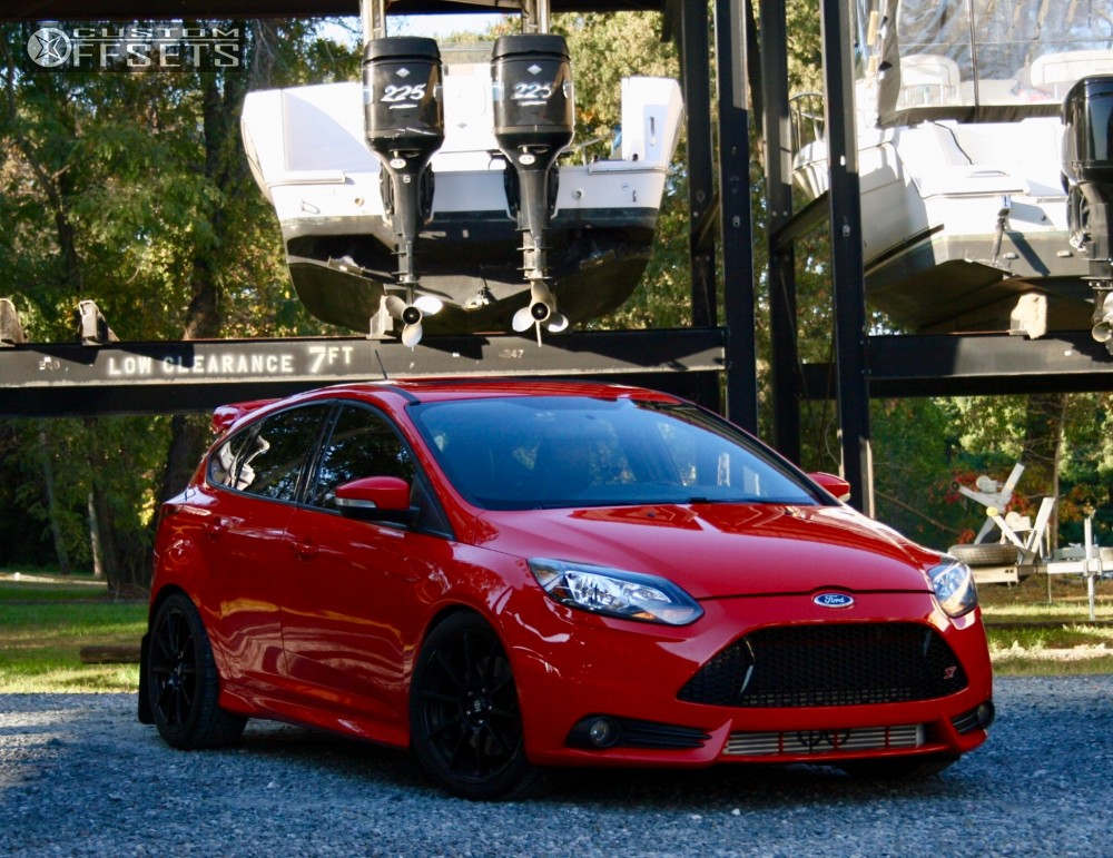 2013 Ford Focus Sparco Assetto Gara Ford Racing Performance