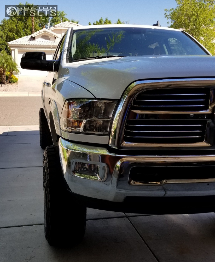2017 Ram 2500 Fuel Vector Pro Comp Suspension Lift 4in Custom Offsets