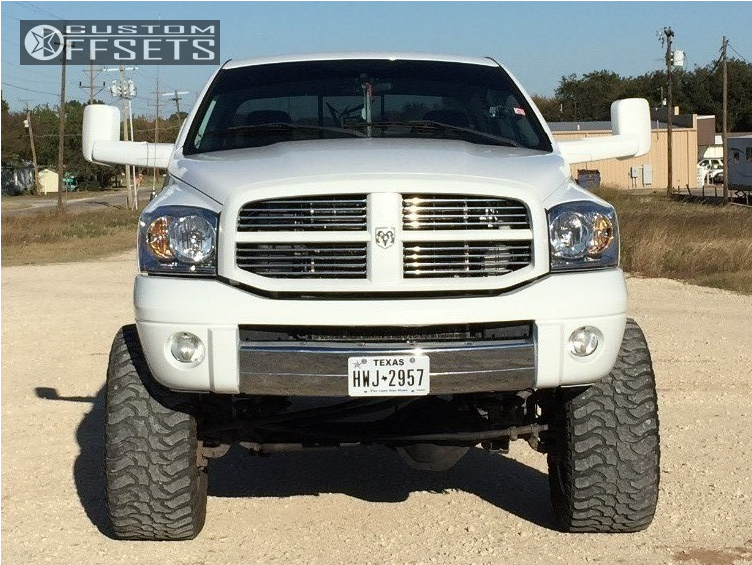 2 2004 Ram 2500 Dodge Rough Country Suspension Lift 75in Hostile Stryker Chrome