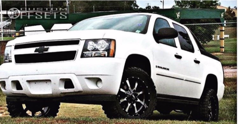 """2009 Chevrolet Avalanche Aggressive > 1"""" outside fender on 20x10 -24 offset Moto Metal Mo970 and 33""""x12.5"""" Federal Couragia Mt on Leveling Kit - Custom Offsets Gallery"""