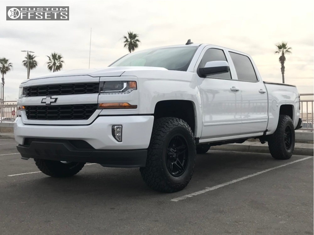 2018 chevrolet silverado 1500 american outlaw lonestar rough country leveling kit. Black Bedroom Furniture Sets. Home Design Ideas