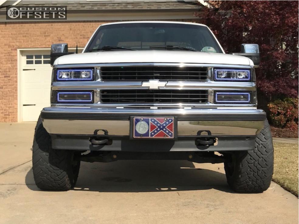 2 1997 K1500 Chevrolet Pro Comp Suspension Lift 4in Fuel Maverick D536 Chrome
