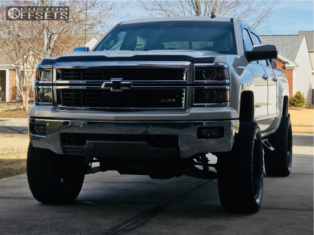 2 2014 1500 Chevrolet Pro Comp Suspension Lift 6in Fuel Maverick White