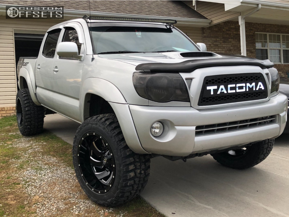 2008 Toyota Tacoma Fuel Cleaver Pro Comp Suspension Lift 3in