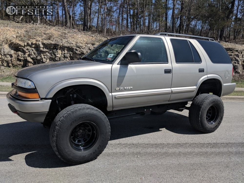 1 2004 S10 Blazer Chevrolet Rough Country Suspension Lift 6in Body 3in N A N A Black