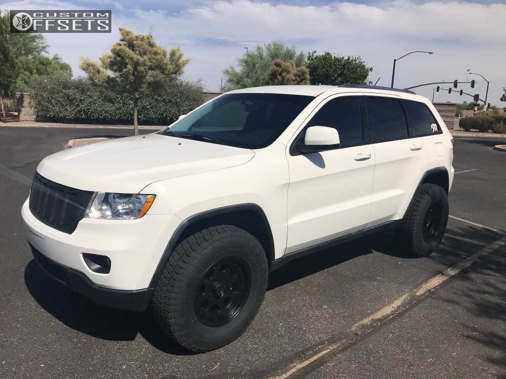2011 jeep grand cherokee pacer nighthawk rocky road outfitters 2011 Jeep Grand Cherokee Interior 1 2011 grand cherokee jeep rocky road outfitters suspension lift 25in pacer nighthawk black