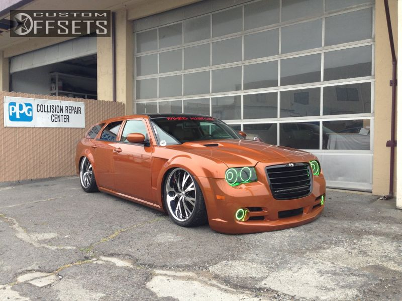 Wheel Offset 2006 Dodge Magnum Tucked Bagged Custom Rims