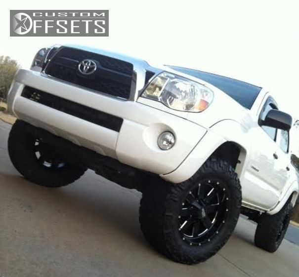3 2011 Tacoma Toyota Suspension Lift 3 Moto Metal 962 Machined Accents Aggressive 1 Outside Fender