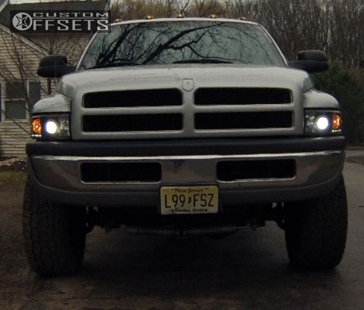 Cleaver 2001: Wheel Offset 2001 Dodge Ram 2500 Aggressive 1 Outside