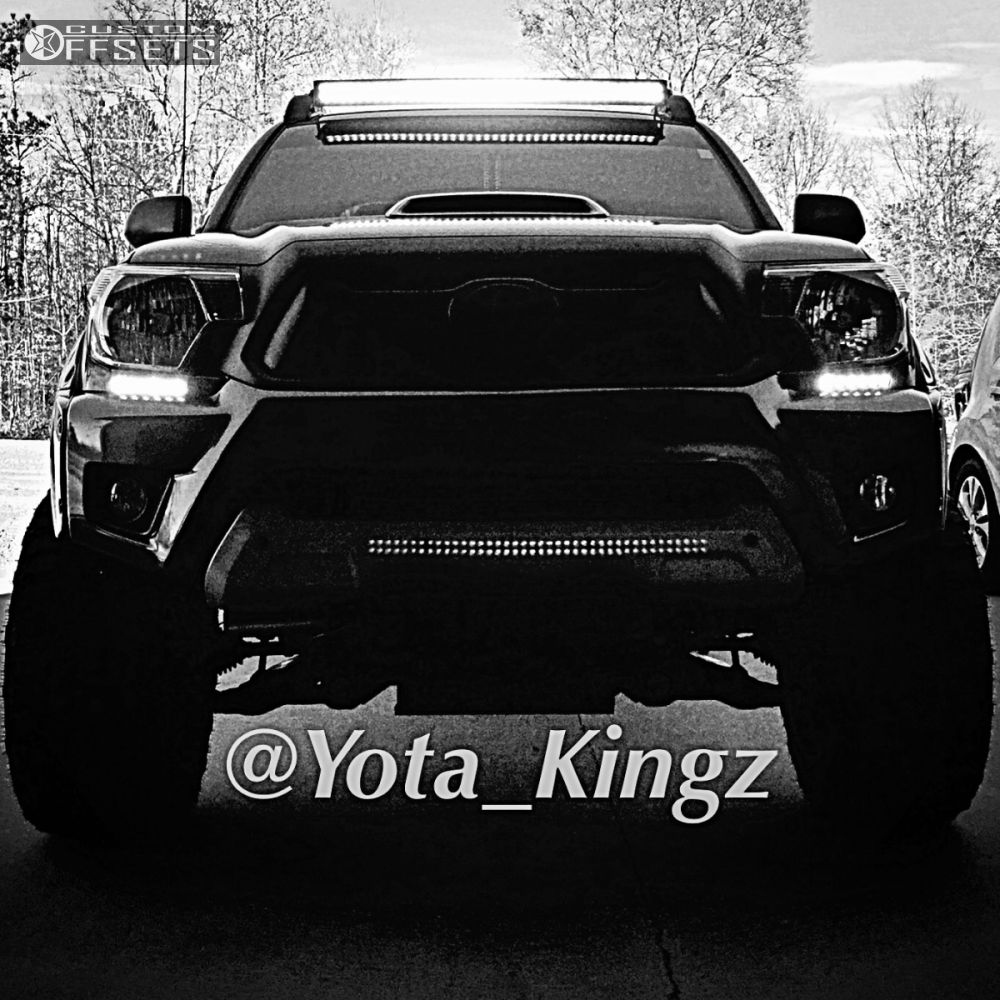 2 2013 Tacoma Toyota Suspension Lift 6 Fuel Maverick Machined Accents Super Aggressive 3 5