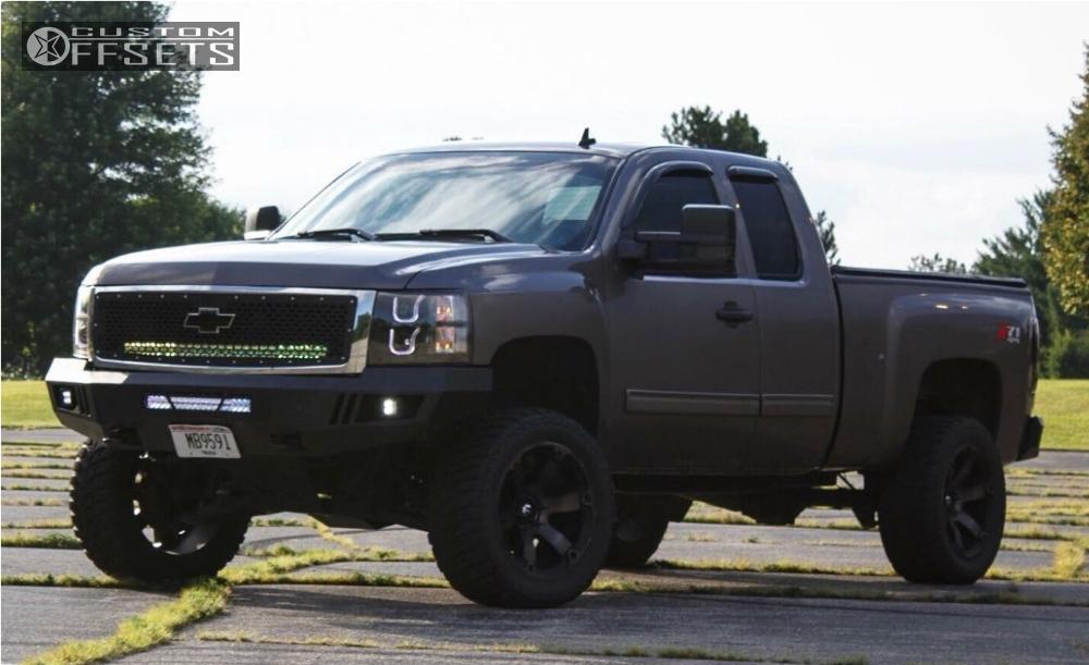 2013 Chevrolet Silverado 1500 Fuel Beast Zone Suspension Lift 65in