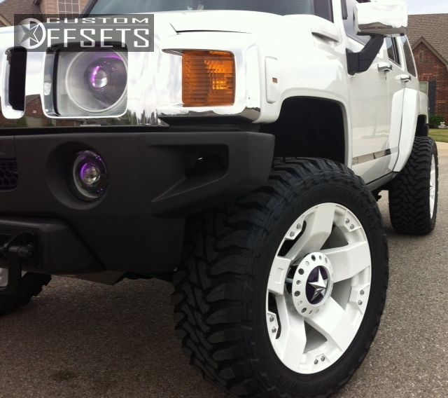 "2007 HUMMER H3 Super Aggressive 3""-5"" on 20x10 -24 offset XD Rockstar and 33""x12.5"" Toyo Tires Open Country M/T on Leveling Kit - Custom Offsets Gallery"