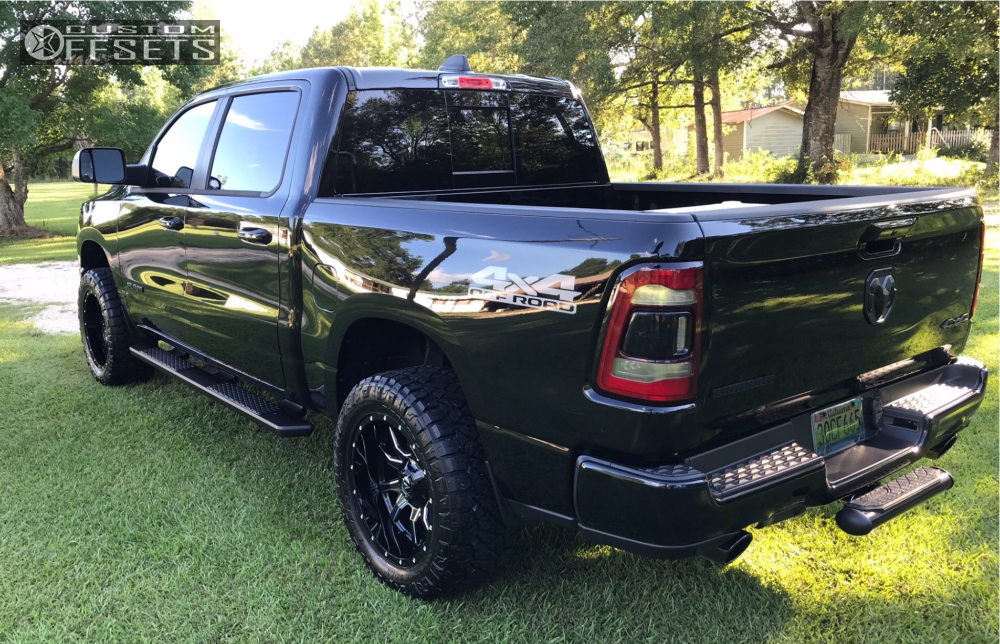 4 2019 1500 Ram Rough Country Leveling Kit Fuel Vandal Machined Black