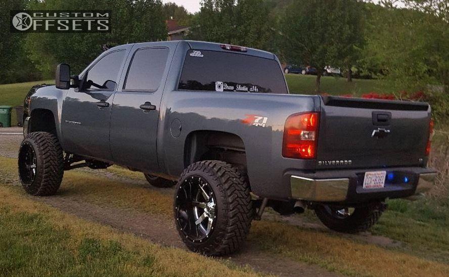 2013 Chevrolet Silverado 1500 Fuel Maverick Rough Country Suspension Lift 75in