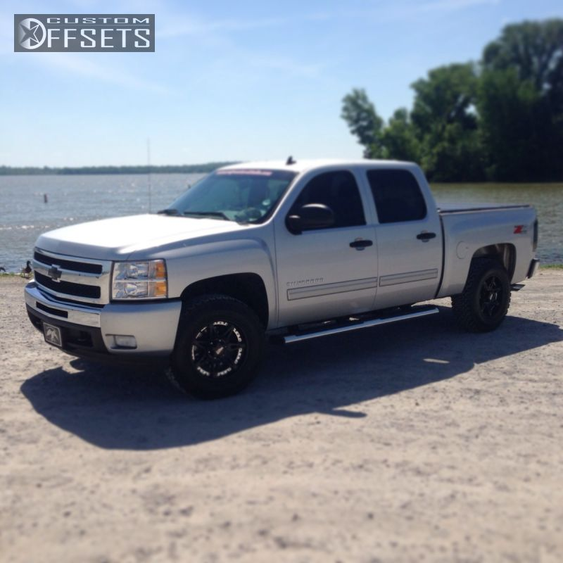 2011 Chevrolet Silverado 1500 Slightly Aggressive on 18x9 18 offset Moto Metal MO961 and 275/70 BFGoodrich All Terrain TA KO2 on Leveling Kit - Custom Offsets Gallery