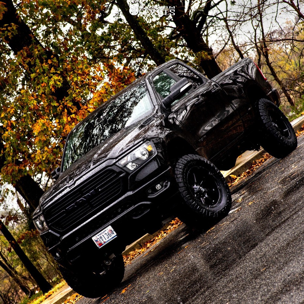 1 2019 1500 Ram Rough Country Suspension Lift 6in Fuel Coupler Black