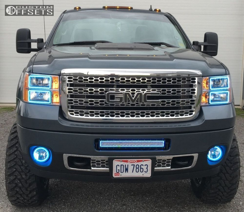 2 2011 Sierra 2500 Hd Gmc Suspension Lift 5 Fuel Maverick Chrome Aggressive 1 Outside Fender