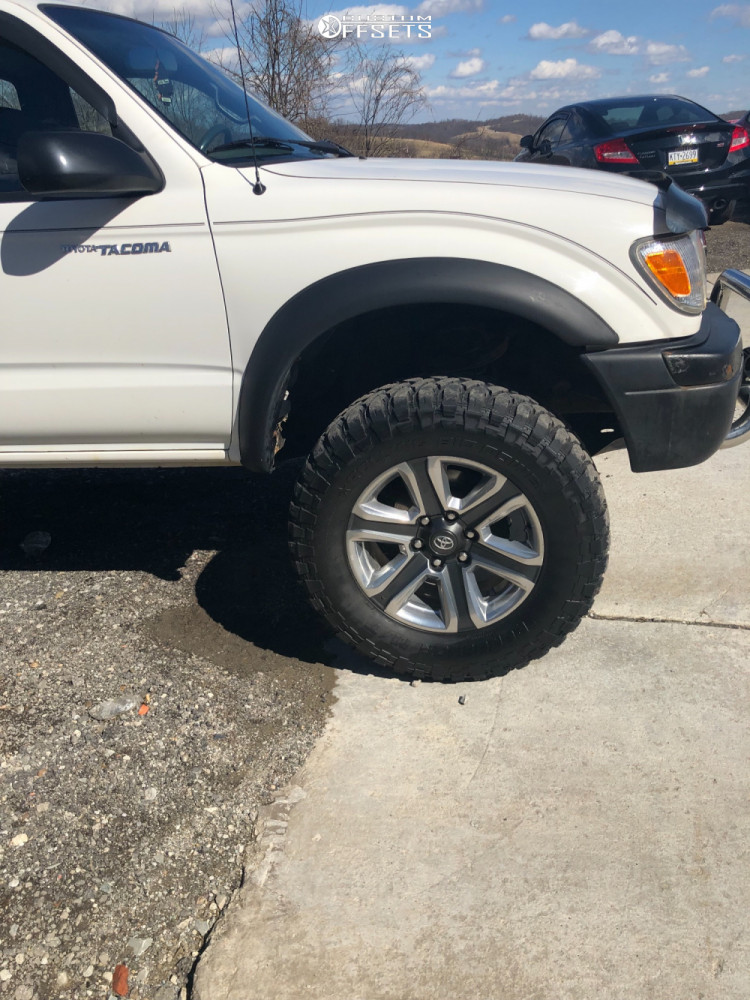 """2000 Toyota Tacoma Aggressive > 1"""" outside fender on 18x7.5 30 offset Spaced Out Stockers Spaced Out Stockers and 285/65 RBP Repulsor Mt on Leveling Kit - Custom Offsets Gallery"""