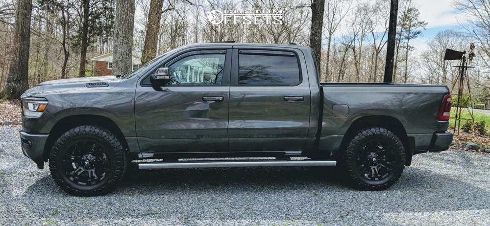 4 2019 1500 Ram Stock Leveling Kit Fuel Vapor Black