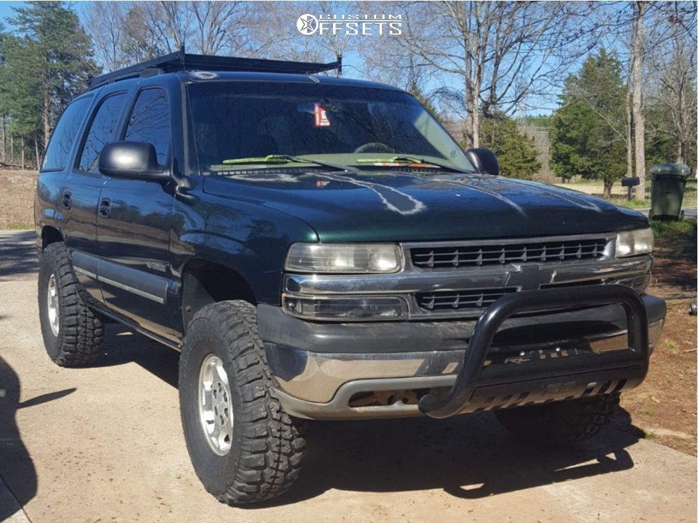 2003 Chevrolet Tahoe Slightly Aggressive on 16x7 31 offset Spaced Out Stockers Spaced Out Stockers and 315/75 Federal Couragia Mt on Air Suspension - Custom Offsets Gallery