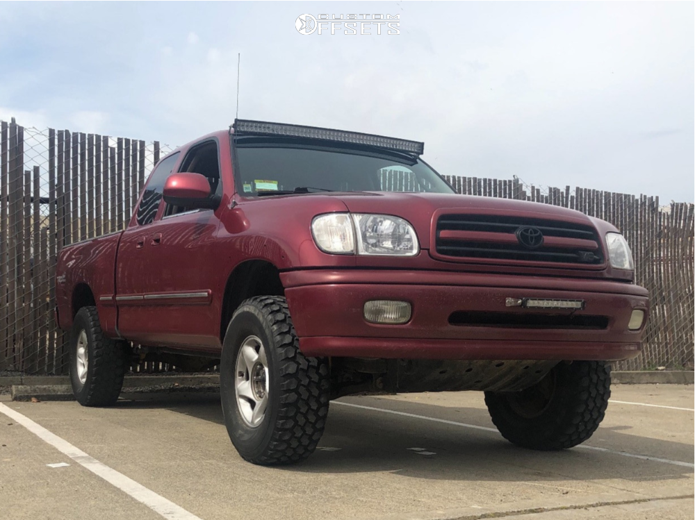 """2002 Toyota Tundra Aggressive > 1"""" outside fender on 16x7 15 offset Spaced Out Stockers Spaced Out Stockers and 285/75 Nankang Mud Star on Suspension Lift 3.5"""" - Custom Offsets Gallery"""