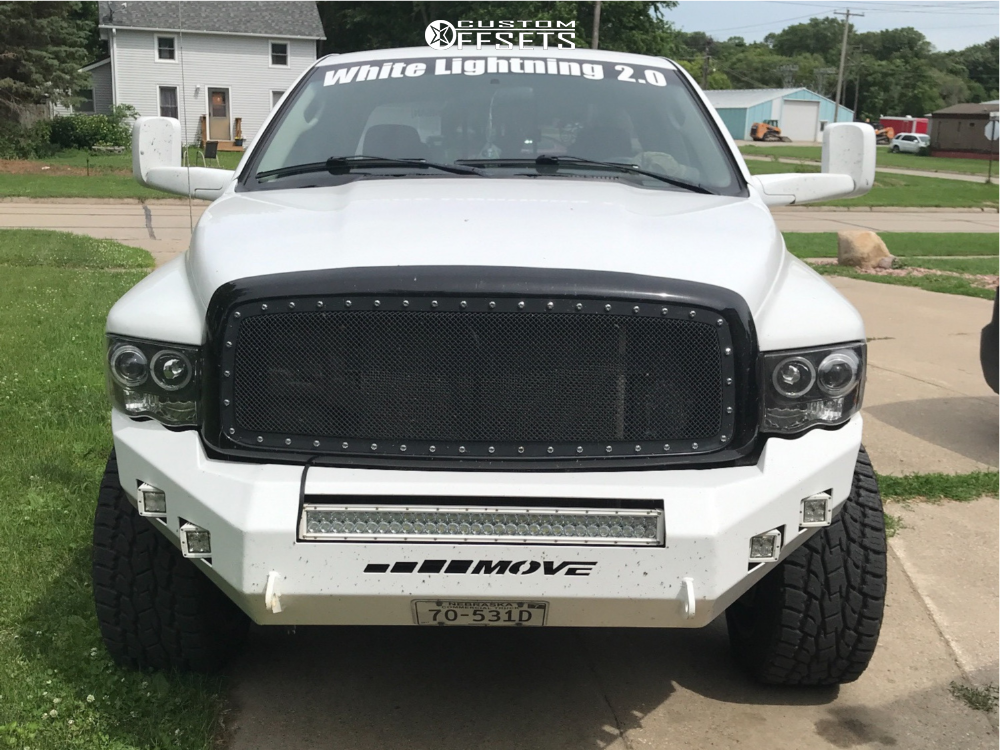 2 2005 Ram 2500 Dodge Rough Country Leveling Kit Gear Alloy Wrath Machined Accents