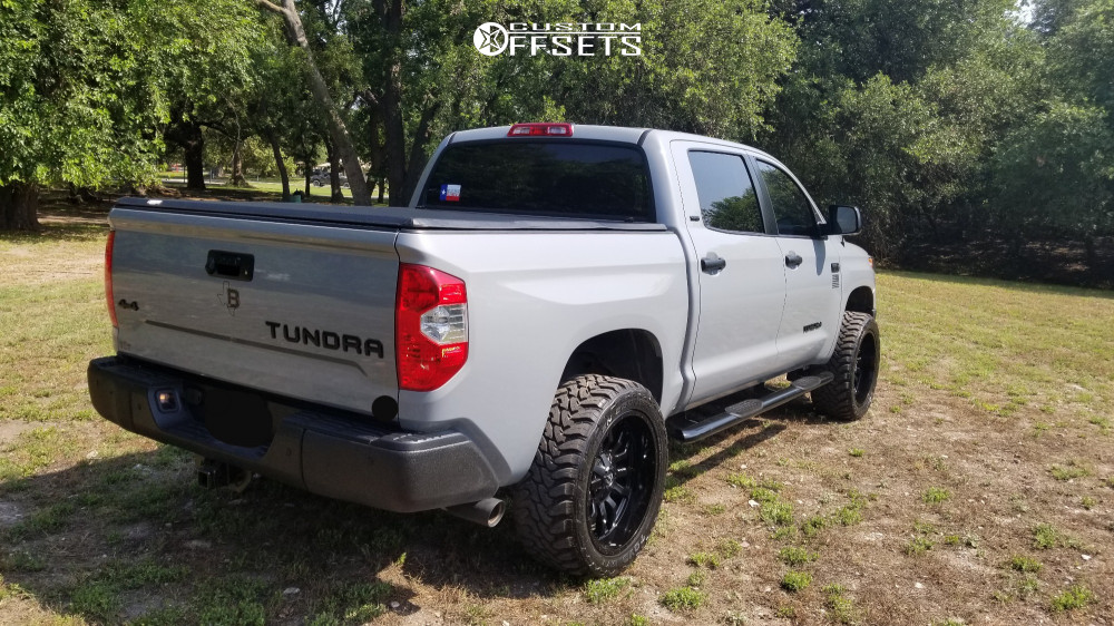 3 2018 Tundra Toyota Rough Country Suspension Lift 4in Fuel Sledge Black