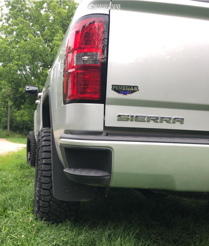 "2015 GMC Sierra 1500 Aggressive > 1"" outside fender on 20x10 -19 offset Hardrock Gunner and 33""x12.5"" Nitto Ridge Grappler on Suspension Lift 4"" - Custom Offsets Gallery"