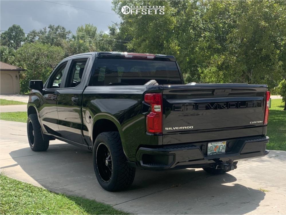 "2019 Chevrolet Silverado 1500 Aggressive > 1"" outside fender on 20x10 -19 offset Hardrock Gunner and 305/50 Nitto Nt420s on Leveling Kit - Custom Offsets Gallery"