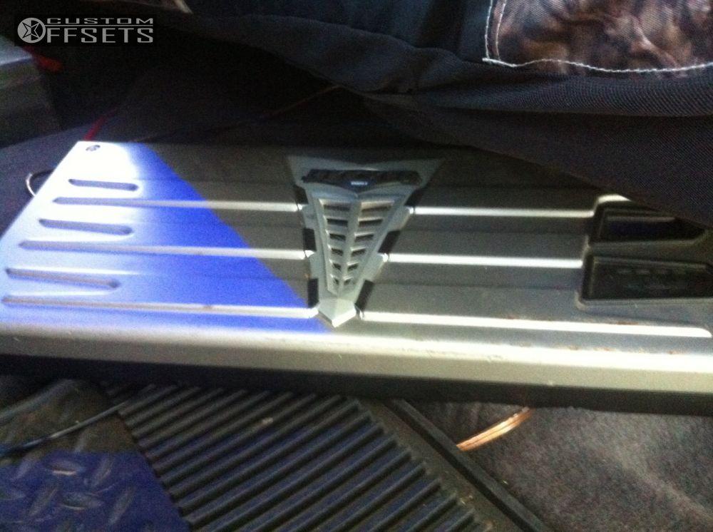 9 2013 Silverado 1500 Chevrolet Suspension Lift 75 Xd Bombs Machined Accents Super Aggressive 3 5