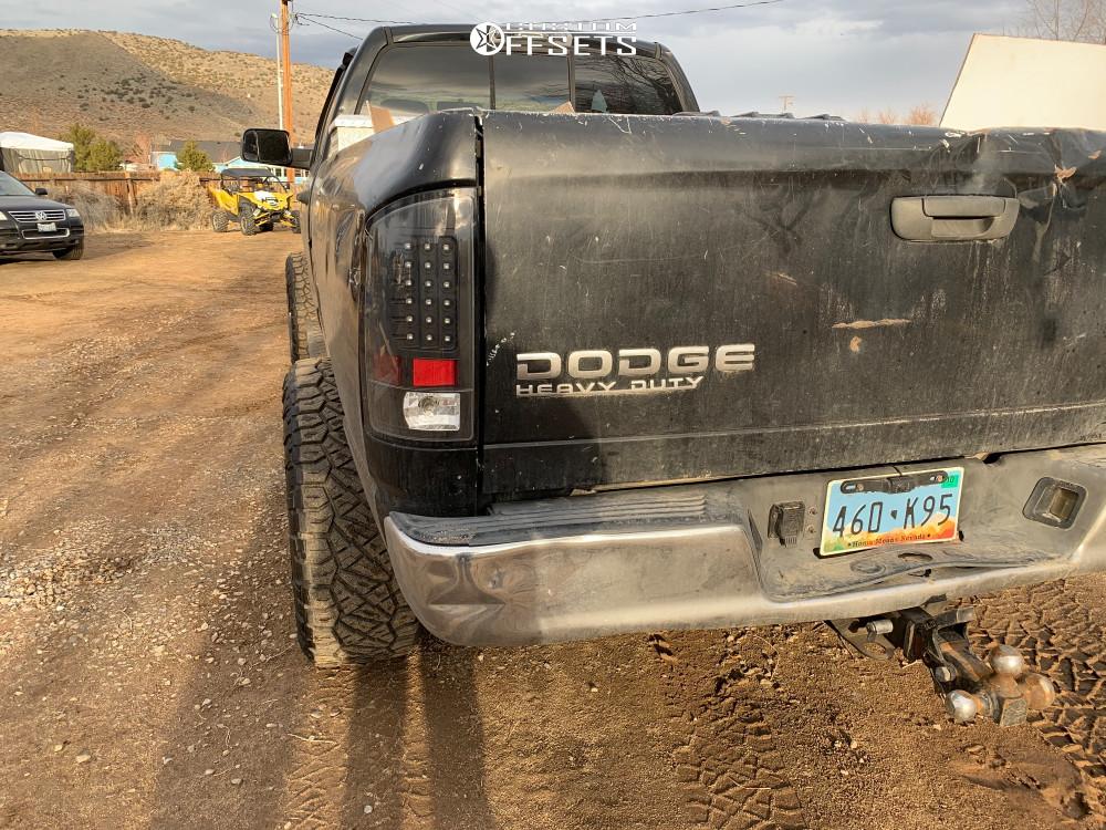 "2003 Dodge Ram 2500 Aggressive > 1"" outside fender on 20x12 -44 offset TIS 544mb and 35""x12.5"" Nitto Ridge Grappler on Leveling Kit - Custom Offsets Gallery"
