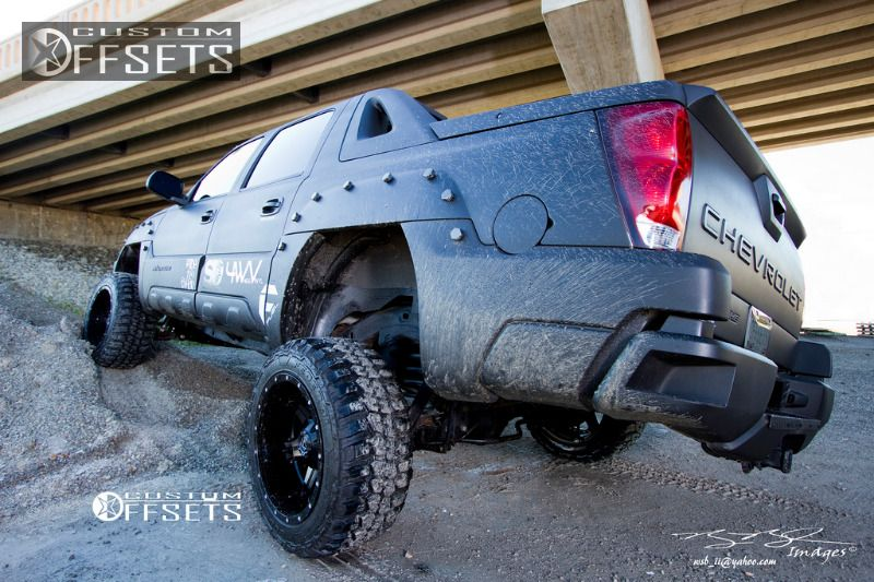 898 17 2003 avalanche chevrolet suspension lift 6 fuel driller 2 piece machined accents super aggressive 3.jpg