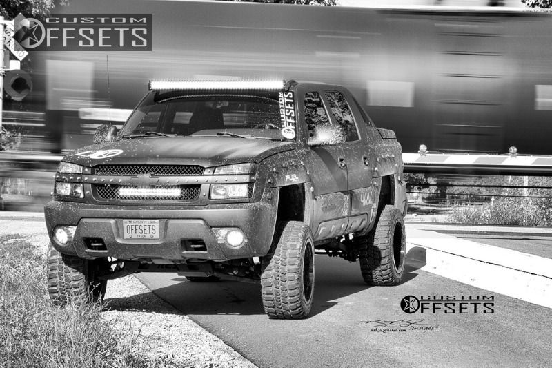 898 28 2003 avalanche chevrolet suspension lift 6 fuel driller 2 piece machined accents super aggressive 3.jpg