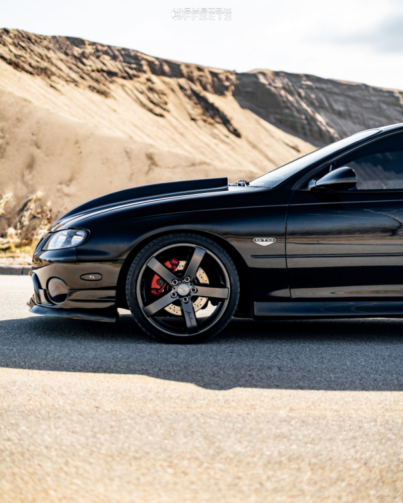 2005 Pontiac GTO Flush on 19x8.5 42 offset MRR Vp5 and 235/35 Toyo Tires Proxes T1 Sport on Coilovers - Custom Offsets Gallery
