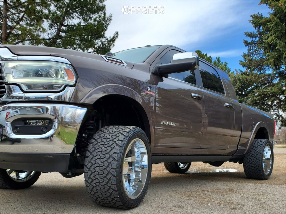 """2019 Ram 2500 Aggressive > 1"""" outside fender on 22x12 -51 offset ARKON OFF-ROAD Lincoln and 33""""x12.5"""" Venom Power Terra Hunter X/t on Leveling Kit - Custom Offsets Gallery"""